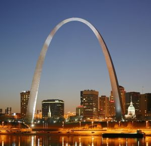 St_Louis_night_expblend_cropped