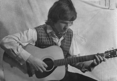 John & Guitar 1972